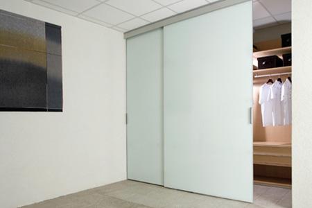Galer a fotos glass gu as y herrajes para puertas for Herrajes puertas cristal